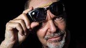 https://www.ragusanews.com//immagini_articoli/12-10-2019/costano-59-euro-gli-occhiali-firmati-da-vasco-rossi-100.jpg
