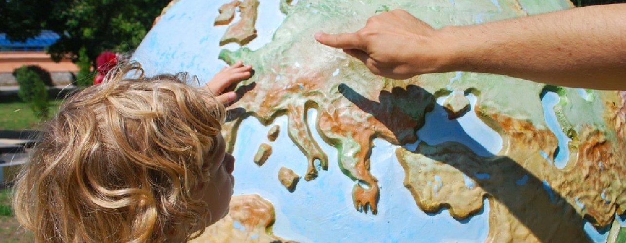 https://www.ragusanews.com//immagini_articoli/12-10-2019/insegnamento-la-geografia-ai-geografi-grazie-500.jpg