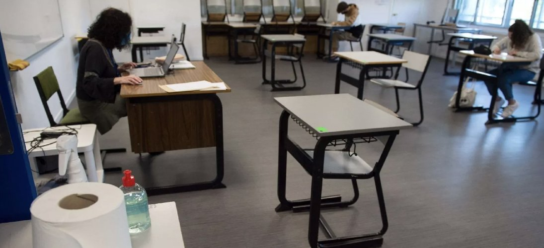 https://www.ragusanews.com//immagini_articoli/12-10-2020/covid-due-casi-in-due-scuole-siciliane-alunni-e-insegnanti-positivi-500.jpg