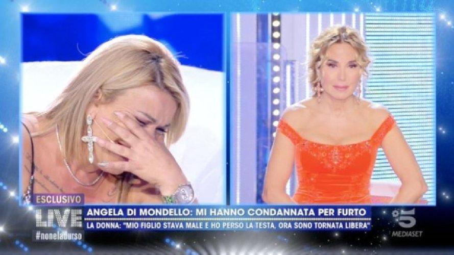https://www.ragusanews.com//immagini_articoli/12-10-2020/la-signora-del-non-c-e-ne-coviddi-in-lacrime-mio-figlio-e-morto-500.jpg