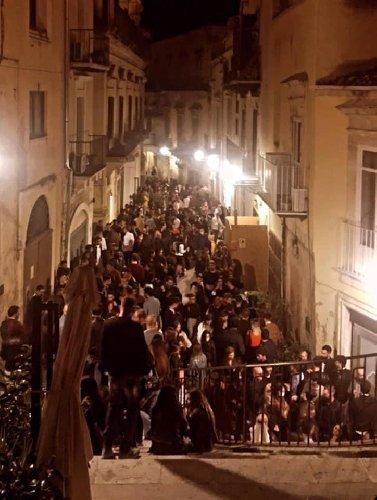 https://www.ragusanews.com//immagini_articoli/12-10-2020/modica-ai-tempi-del-covid-500.jpg