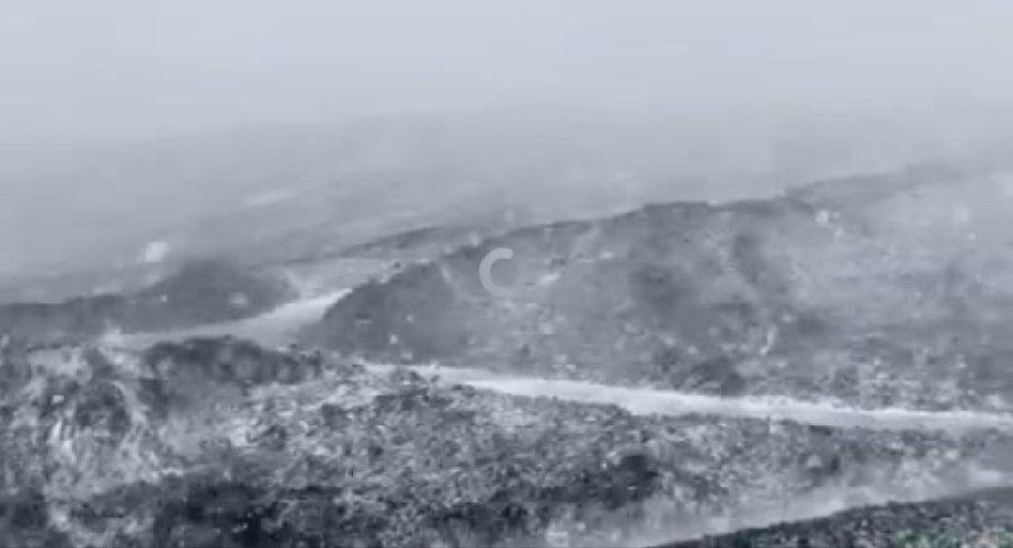https://www.ragusanews.com//immagini_articoli/12-10-2020/nevica-sull-etna-video-500.jpg
