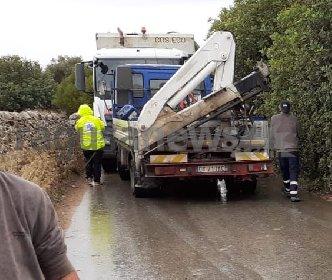 https://www.ragusanews.com//immagini_articoli/12-10-2020/scontro-frontale-tra-un-compattatore-dei-rifiuti-e-un-camion-tre-i-feriti-280.jpg