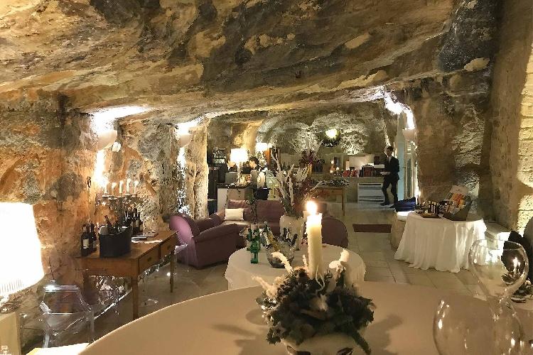 https://www.ragusanews.com//immagini_articoli/12-10-2021/ristoranti-di-lusso-un-locale-ragusano-nella-top-50-italiana-500.jpg