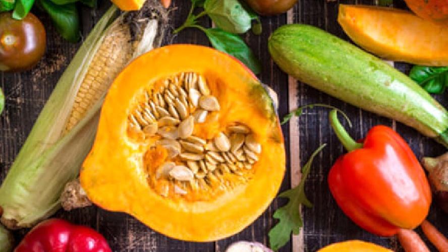 https://www.ragusanews.com//immagini_articoli/12-10-2021/verdura-autunnale-cosa-mangiare-a-60-anni-500.jpg