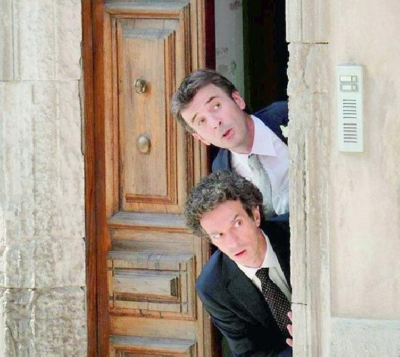https://www.ragusanews.com//immagini_articoli/12-11-2014/la-rosolini-di-ficarra-e-picone-candidata-a-20-mln-di-incassi-500.jpg