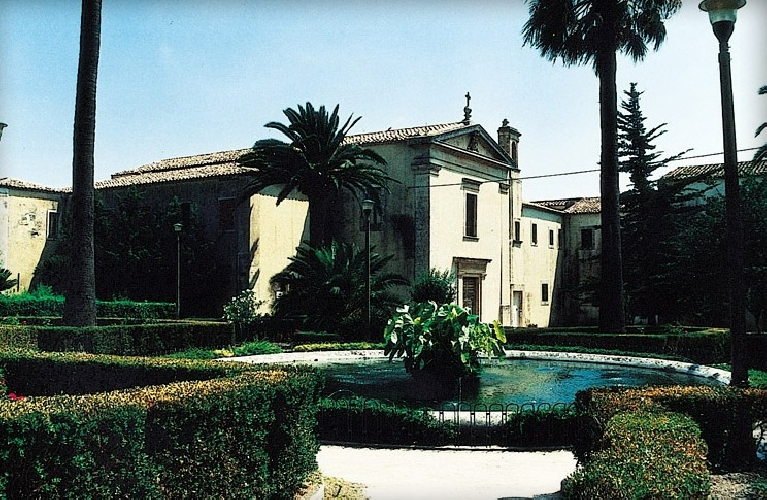http://www.ragusanews.com//immagini_articoli/12-11-2014/si-restaura-sant-agata-ai-giardini-iblei-500.jpg