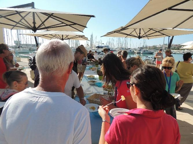 http://www.ragusanews.com//immagini_articoli/12-11-2015/gli-stranieri-svernano-a-marina-di-ragusa-500.jpg