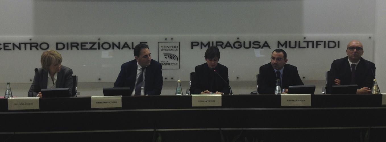 http://www.ragusanews.com//immagini_articoli/12-11-2015/vicari-a-comiso-masterplan-e-politiche-mise-per-rivoluzionare-il-sud-500.jpg
