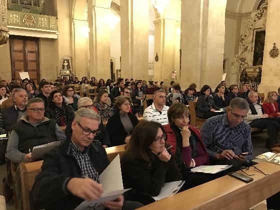 https://www.ragusanews.com//immagini_articoli/12-11-2016/youth-in-progress-il-difficile-rapporto-tra-la-chiesa-e-i-giovani-420.jpg