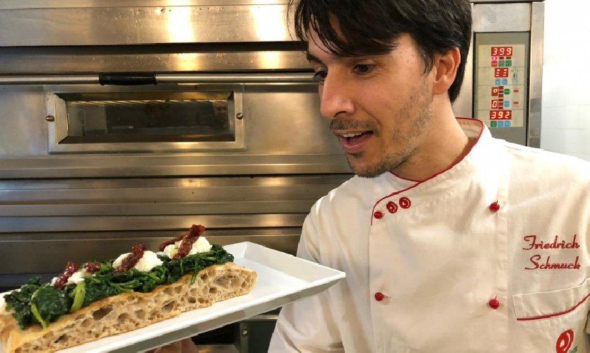 https://www.ragusanews.com//immagini_articoli/12-11-2019/assegnati-oscar-pizze-buone-italia-sicilia-solo-vincitore-500.jpg