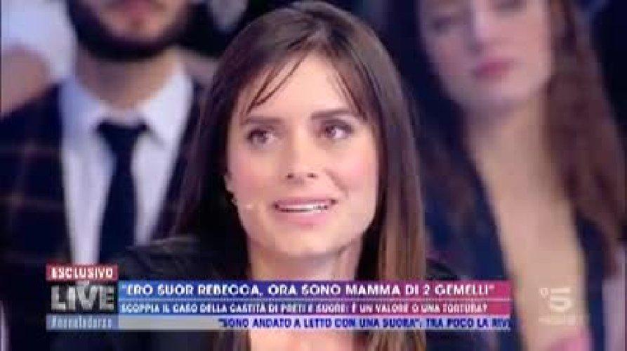 https://www.ragusanews.com//immagini_articoli/12-11-2019/ester-io-suora-di-clausura-con-due-bellissimi-gemelli-video-500.jpg