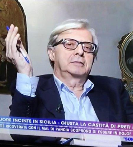 https://www.ragusanews.com//immagini_articoli/12-11-2019/suore-incinte-in-sicilia-sgarbi-lascia-numero-a-suora-che-mi-chiamo-500.jpg