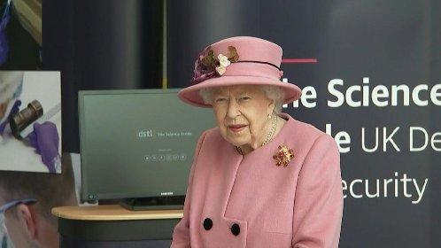 https://www.ragusanews.com//immagini_articoli/12-11-2020/regina-elisabetta-4-giorni-di-festa-per-il-giubileo-di-platino-280.jpg