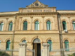 http://www.ragusanews.com//immagini_articoli/12-12-2015/l-asp-ha-soppresso-le-farmacie-territoriali-degli-ospedali-240.png