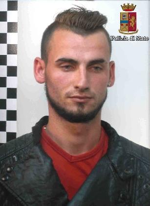 http://www.ragusanews.com//immagini_articoli/12-12-2016/i-ladri-di-motorini-arrestati-quattro-rumeni-420.jpg