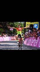 http://www.ragusanews.com//immagini_articoli/12-12-2017/ciclista-francesco-romano-premio-padua-240.jpg