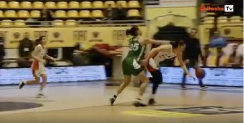 http://www.ragusanews.com//immagini_articoli/12-12-2017/eccolo-pugno-cestista-passalacqua-video-240.png