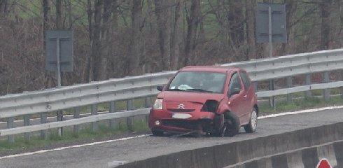 https://www.ragusanews.com//immagini_articoli/12-12-2018/incidente-ragusa-catania-altezza-chiaramonte-240.jpg