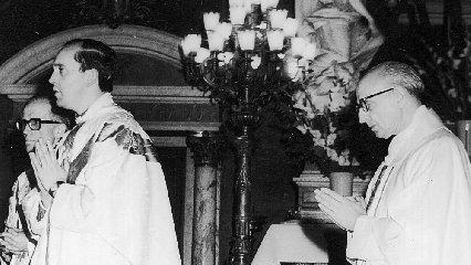 https://www.ragusanews.com//immagini_articoli/12-12-2019/50-anni-fa-giorgio-mario-bergoglio-diventava-prete-240.jpg