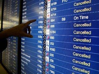 https://www.ragusanews.com//immagini_articoli/12-12-2019/i-voli-cancellati-il-13-dicembre-in-sicilia-240.jpg