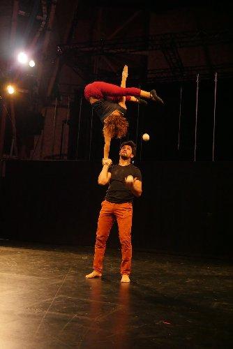 https://www.ragusanews.com//immagini_articoli/12-12-2019/il-wunder-show-al-teatro-naselli-500.jpg