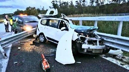 https://www.ragusanews.com//immagini_articoli/12-12-2019/incidente-autostrada-messina-palermo-muore-un-musicista-240.jpg