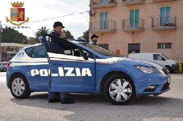 https://www.ragusanews.com//immagini_articoli/12-12-2019/la-polizia-di-stato-esegue-mandato-di-arresto-europeo-240.jpg