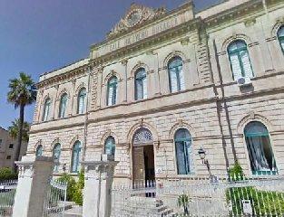http://www.ragusanews.com//immagini_articoli/13-01-2018/scicli-incontro-sindaco-senatrice-padua-problemi-sanita-240.jpg