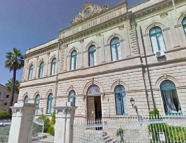 http://www.ragusanews.com//immagini_articoli/13-01-2018/scicli-incontro-sindaco-senatrice-padua-problemi-sanita-500.jpg