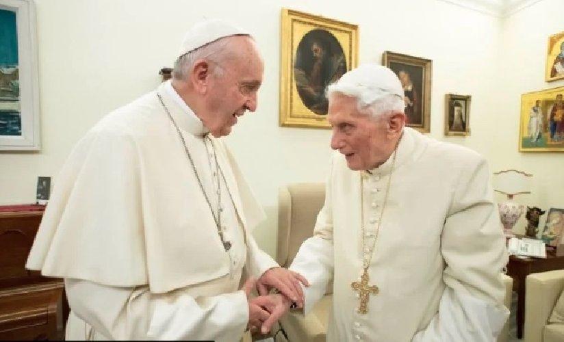 https://www.ragusanews.com//immagini_articoli/13-01-2020/i-preti-possono-sposarsi-papa-benedetto-le-suona-a-papa-francesco-500.jpg