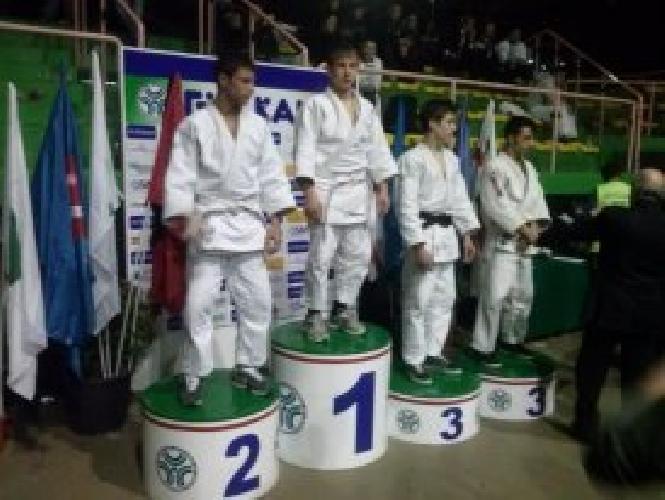 https://www.ragusanews.com//immagini_articoli/13-02-2013/judo-gabriele-bossettini-campione-italiano-500.jpg