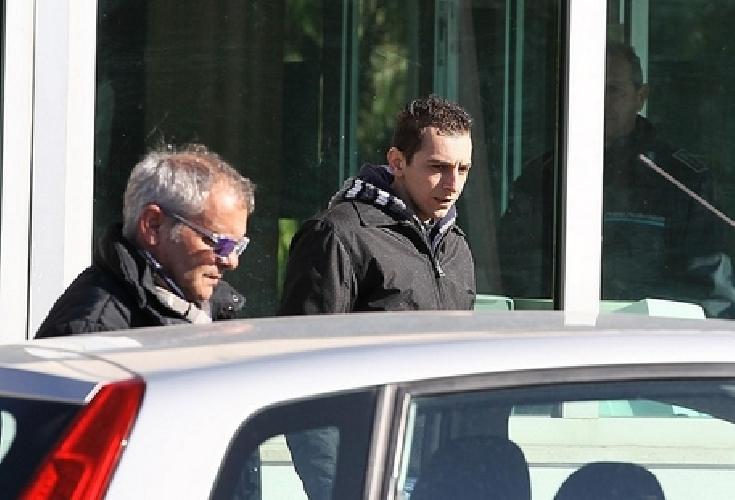 https://www.ragusanews.com//immagini_articoli/13-02-2015/loris-davide-e-tornato-in-carcere-da-veronica-500.jpg