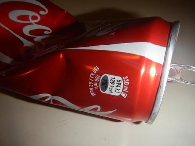 http://www.ragusanews.com//immagini_articoli/13-03-2015/rapina-farmacia-di-ragusa-con-lattina-di-coca-cola-500.jpg