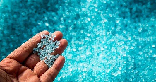 https://www.ragusanews.com//immagini_articoli/13-03-2021/allarme-plastica-mancano-polimeri-nella-farmaceutica-e-negli-alimentari-280.jpg
