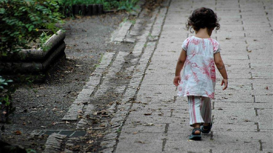 https://www.ragusanews.com//immagini_articoli/13-04-2018/catania-giustizia-minorile-immigrazione-focus-camera-minorile-500.jpg