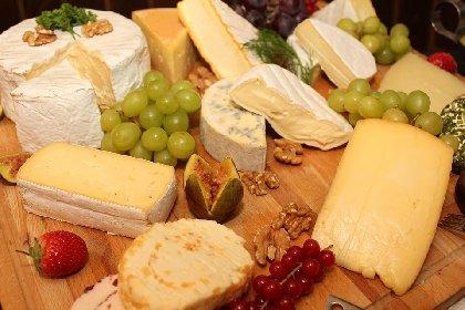 https://www.ragusanews.com//immagini_articoli/13-04-2021/dieta-e-formaggi-ecco-quali-scegliere-280.jpg