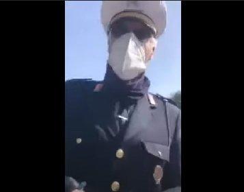 https://www.ragusanews.com//immagini_articoli/13-04-2021/fermata-senza-mascherina-diventa-una-furia-non-parli-sputando-video-280.jpg