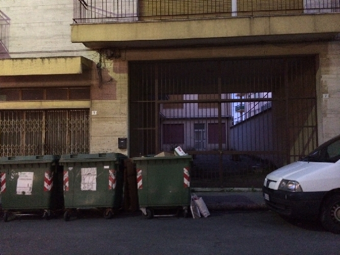 http://www.ragusanews.com//immagini_articoli/13-05-2014/la-destra-no-ai-migranti-in-via-delle-madonie-a-ragusa-500.jpg
