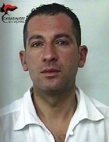 http://www.ragusanews.com//immagini_articoli/13-05-2016/rapinatori-di-banche-arrestati-500.png