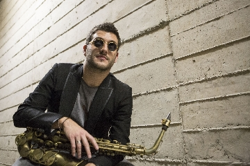 http://www.ragusanews.com//immagini_articoli/13-05-2017/vittoria-jazz-festival-240.jpg