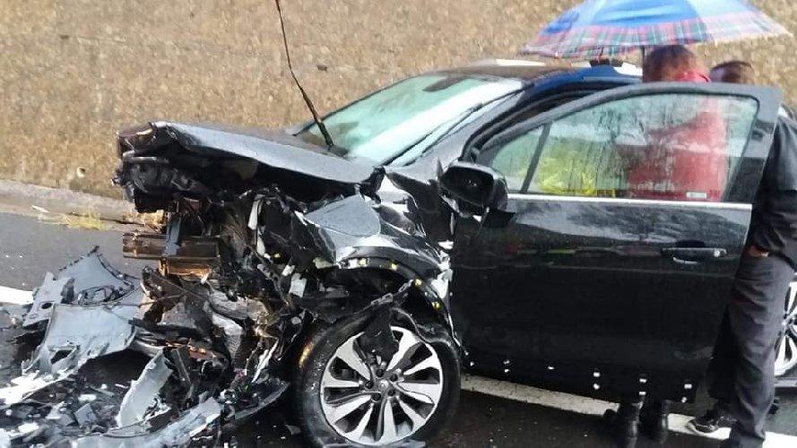 https://www.ragusanews.com//immagini_articoli/13-05-2019/incidente-tra-piazza-armerina-e-gela-un-morto-tre-feriti-500.jpg
