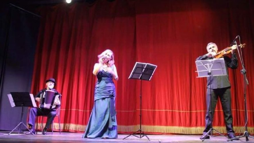 https://www.ragusanews.com//immagini_articoli/13-05-2019/omaggio-al-tango-con-lensemble-trio-dautore-a-ragusa-500.jpg
