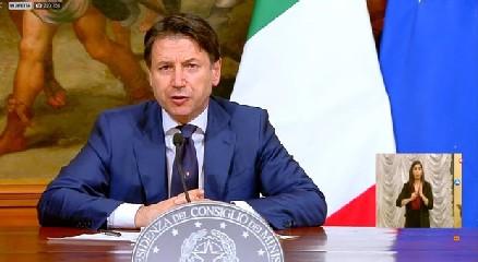 https://www.ragusanews.com//immagini_articoli/13-05-2020/decreto-rilancio-scarica-definitivo-464-pagine-240.jpg