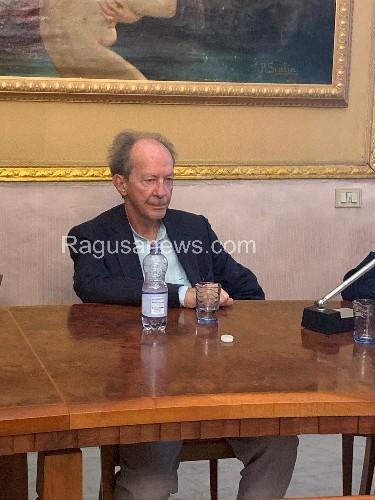 https://www.ragusanews.com//immagini_articoli/13-05-2020/il-filosofo-agamben-chi-ha-smantellato-il-sistema-sanitario-500.jpg