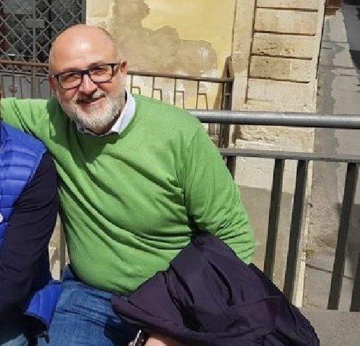 https://www.ragusanews.com//immagini_articoli/13-06-2018/salvatore-gallo-modicano-adozione-sindaco-palazzolo-500.jpg