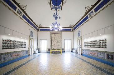 https://www.ragusanews.com//immagini_articoli/13-06-2020/riapre-palazzo-la-rocca-a-ragusa-ibla-240.jpg