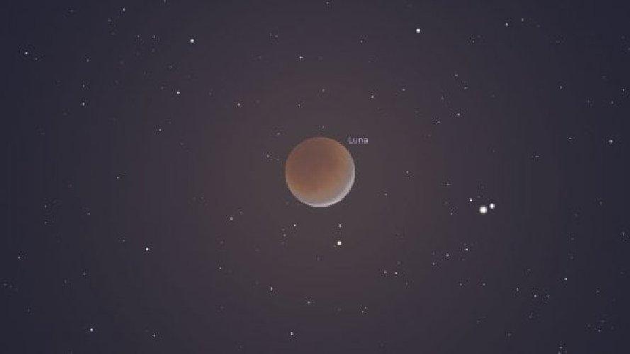 https://www.ragusanews.com//immagini_articoli/13-07-2019/l-eclissi-di-luna-in-luglio-500.jpg