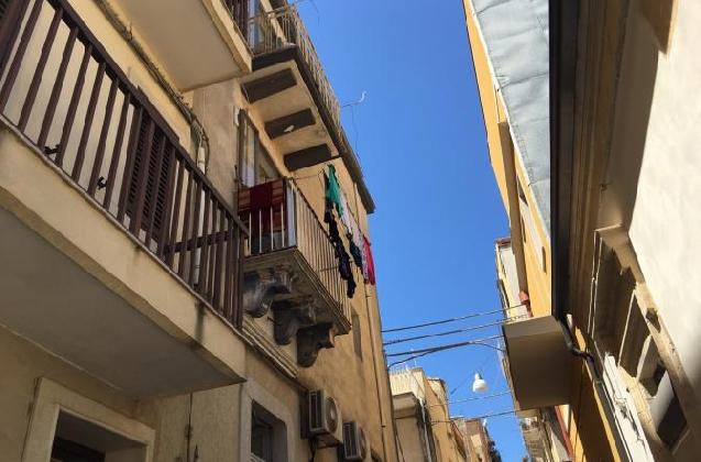 http://www.ragusanews.com//immagini_articoli/13-08-2016/e--morto-il-bimbo-caduto-dal-balcone-420.jpg