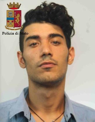 http://www.ragusanews.com//immagini_articoli/13-08-2016/spaccio-arrestato-salvatore-scata-420.jpg